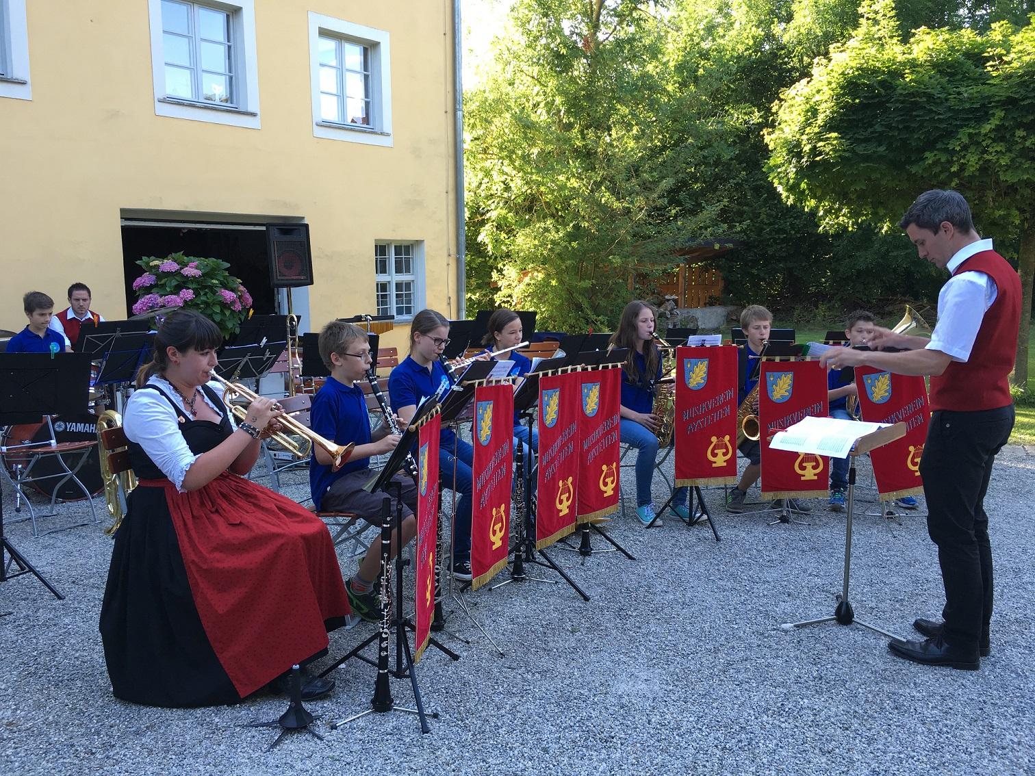Auftritt der Jugendkapelle des Musikvereins Aystetten